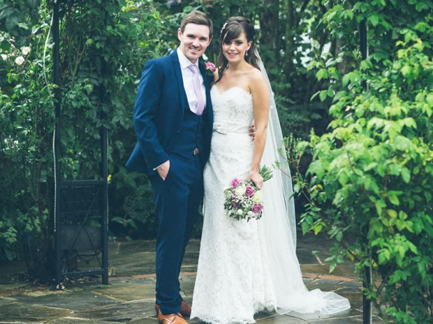 8ebe843fd7df0 Real wedding  A vintage-themed summer wedding in the Cotswolds at ...