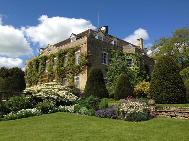 Discover 16 Charming Cotswold Wedding Venues With SoGlosWeddings