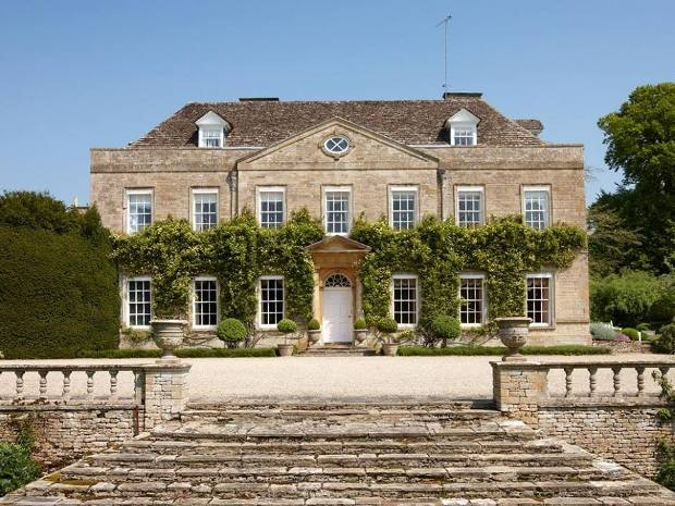 Cornwell Manor Near Chipping Norton Provided A Stunning Backdrop For The Celebrity Wedding