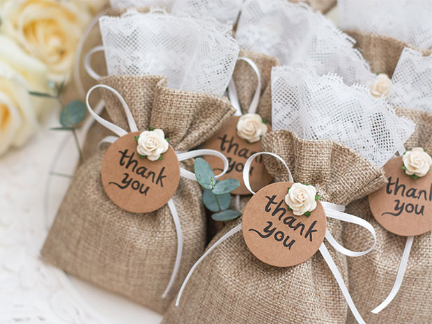 Create thoughtful wedding favours which guests will love with SoGlosWeddings' DIY ideas.