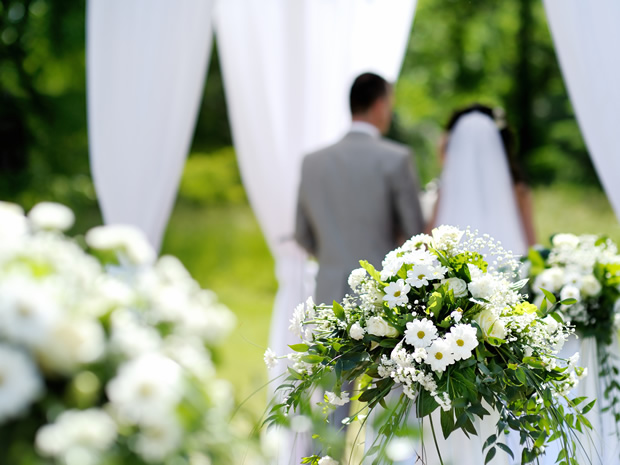 Love doesn't have to cost the earth! Discover easy ways to create an eco-friendly wedding in Gloucestershire.