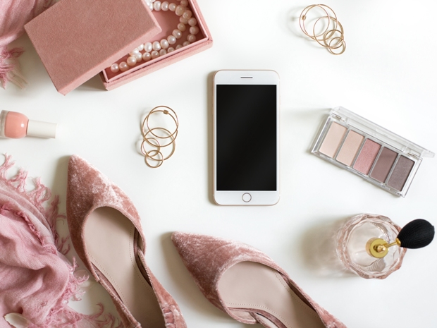 To keep picture-perfect and stress-free, make sure you've got these items handy on your wedding day.