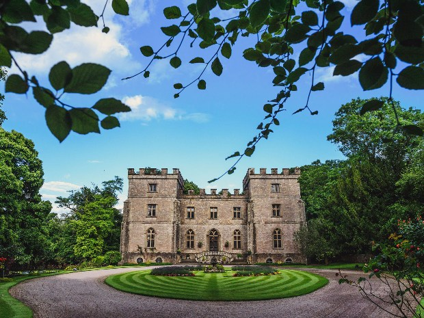 There's now an online price calculator for weddings at Clearwell Castle. © Dan Morris Photography.