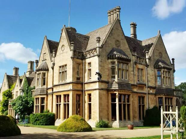 The glorious Manor by the Lake received the crown for Wedding Event Team of the Year.