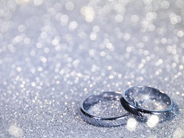 Give your wedding day that extra special sparkle, with SoGlosWeddings' help.
