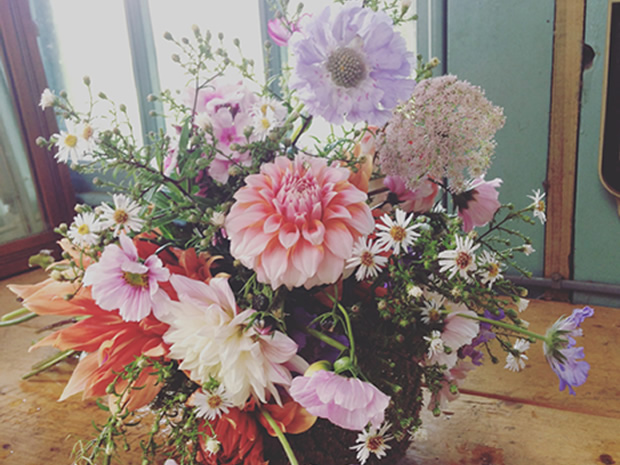 Saltbox & Co creates bespoke, beautiful bouquets for wedding celebrations.