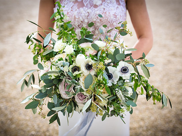 Garner some beautiful inspiration from Foxy Buds Floral Design. © Kate Southall Photography
