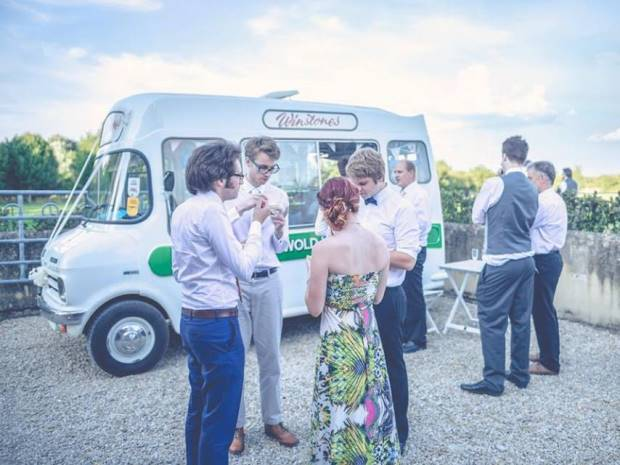 Hire a retro ice-cream van from Cotswold Vintage Scoop, perfect for a summer wedding.