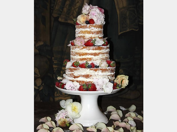 Curtis and Co is an award-winning wedding cake company based in Stroud.
