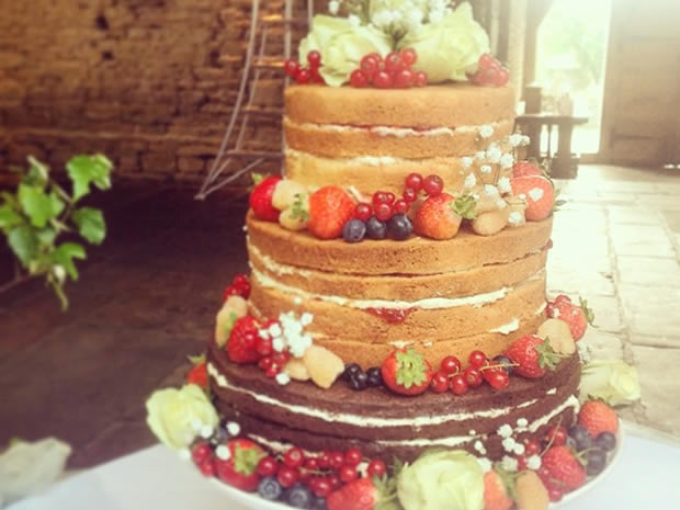 Just Beautiful Weddings in Gloucester offers traditional, modern and quirky wedding cakes.