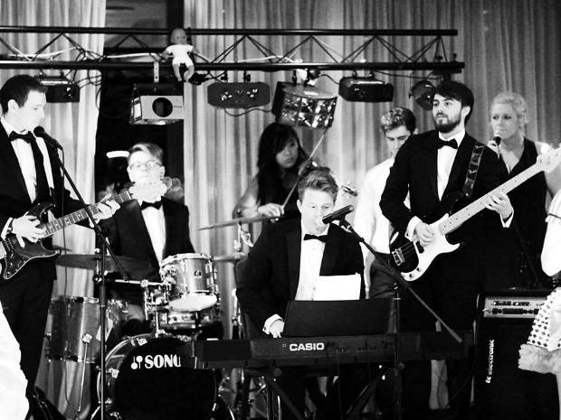 SoGlosWweddings goes backstage with Gloucestershire's premier wedding band Tux Fizz.