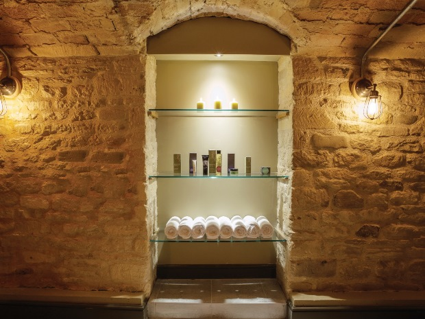 Treat yourself, your new partner or your hens to a luxury five-star treatment at The Kings Head Hotel's new spa.