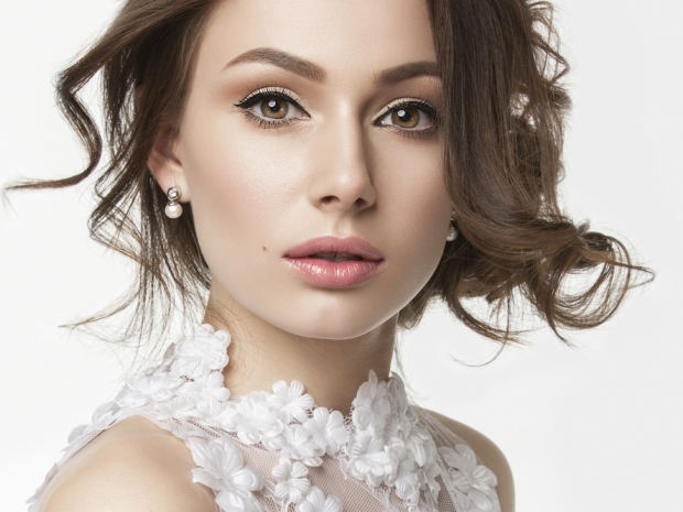 Prepare for your big day look with SoGlosWeddings' steps to bridal beauty.
