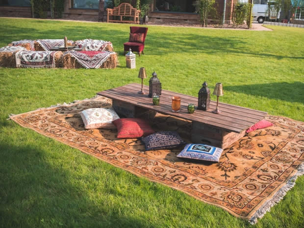 The Arabic theme extended to the outside space, creating a lovely relaxed vibe.