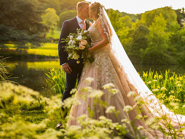 Sarah-Jane and David enjoyed a sunny celebration at Dumbleton Hall. All images © Paul Willetts Photography.