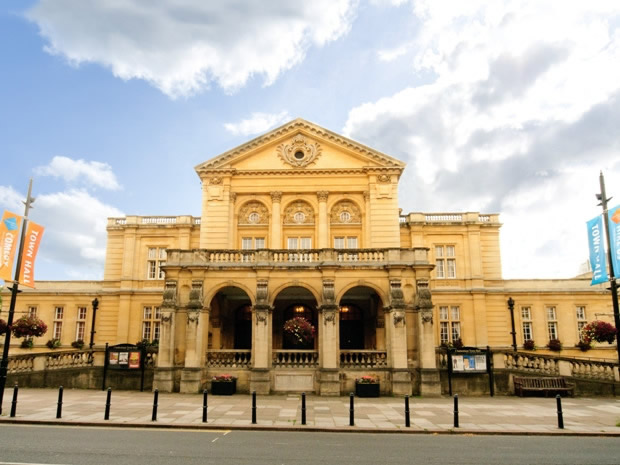 Cheltenham Town Hall provides a magnificent backdrop for wedding celebrations.