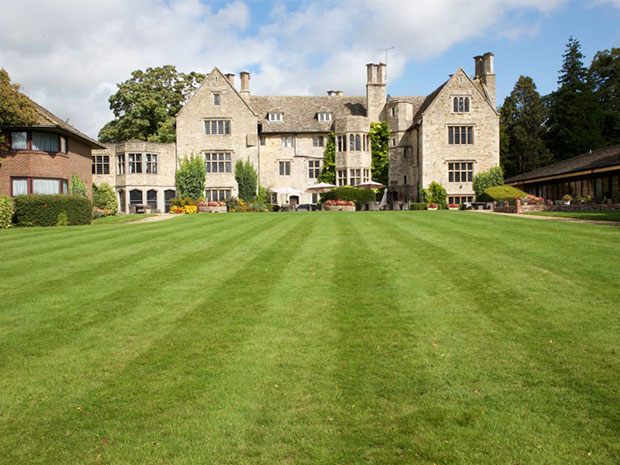 Stonehouse Court Hotel offers a charming setting for hosting wedding celebrations.