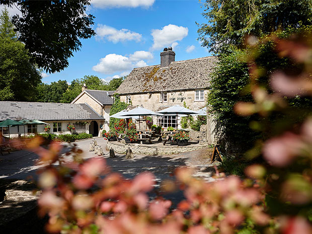The Green Dragon Inn is a picturesque Cotswold venue for wedding receptions.