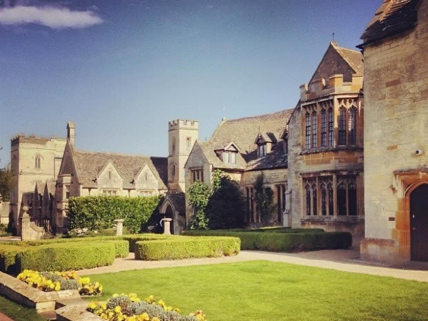 The romantic setting of Ellenborough Park is beautiful for weddings through the seasons.